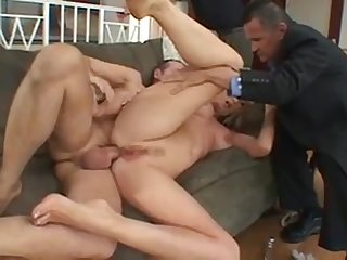 Blonde chick gets the brush pussy pounded