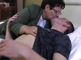 Taboo mature Materfamilias fucks her young boy