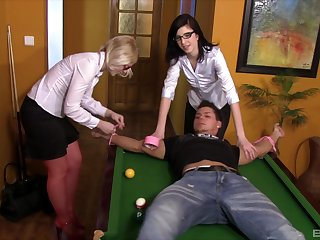 Femdom face sitting session with Barbara Attractive and Attractive Gyrate