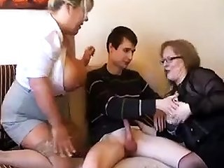 Aged fat slutty granny fro pantyhoes fucked steadfast fro threesome