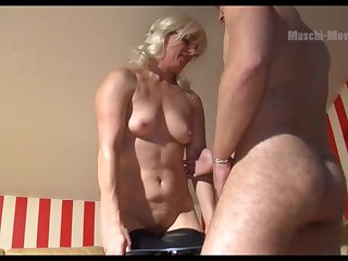 Mature German PAWG wants some bloke meat and she is so seductive