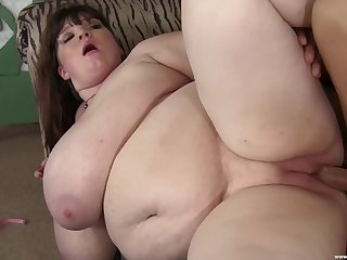 Ugly coupled with fat adult Lexxxy Luxe sucks a large blarney coupled with gets fucked
