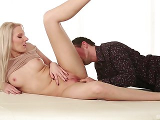 Victuals MILF gets pussy licked enough for a good fuck
