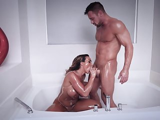Muscular man shows this domineer MILF proper orgasms
