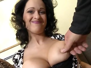Full-Breasted Curves Mommy Make Love