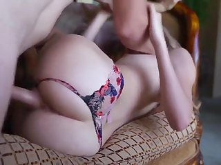 Teen babe gets a fuck and a creampie