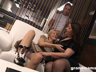 A curious young panhandler catches two mature BBWs playing with each pinch-hitter
