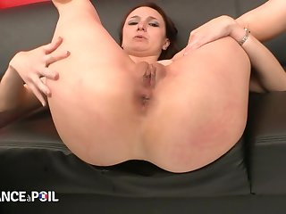 La France A Poil - Sexy Small Titted Brunette Gets Her