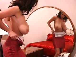 Big nipple Brazilian MILF masturbate