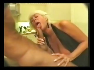 Old mom telling a passionate blowjob to young cock and get cum in brashness