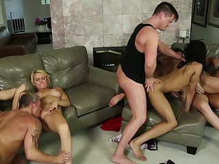 Neighborhoodswingers - Eric Masterson - Tommy Gunn